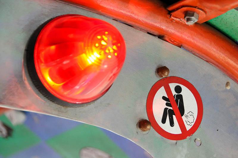 Bangkok, Tuk Tuk Taxi,Warnschild, Sign, www.wo-der-pfeffer-waechst.de