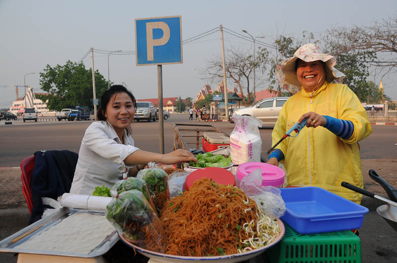 Laos, Vientiane, Garküche, www.wo-der-pfeffer-waechst.de