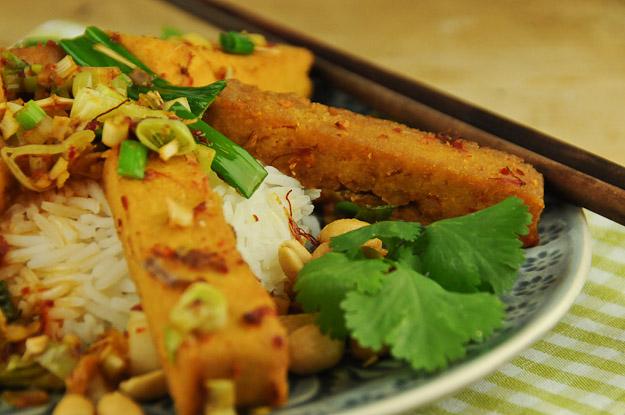 Frittierter Tofu mit Zitronengras und Chili, www.wo-der-pfeffer-waechst.de