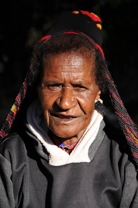 Indonesien, West-Papua, Baliem-Tal, valley, Wamena, Dani, tribe, Stammesdorf, Dorffest, Ostern, Frau, Noken, Reisebericht, www.wo-der-pfeffer-waechst.de