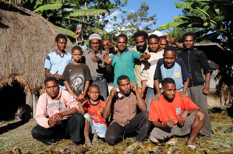 Indonesien, West-Papua, Baliem-Tal, valley, Wamena, Dani, tribe, Stammesdorf, Dorffest, Ostern, Gruppenbild, Reisebericht, www.wo-der-pfeffer-waechst.de