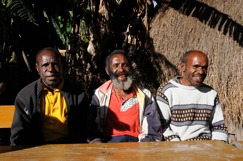 Indonesien, West-Papua, Baliem-Tal, valley, Wamena, Dani, tribe, Stammesdorf, Dorffest, Ostern, Männer, Reisebericht, www.wo-der-pfeffer-waechst.de