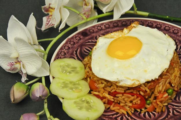 Indonesien, Indonesisches, Kochen, Gerichte, Rezepte, Essen, Speisen, Küche, Zutaten, Nasi Goreng, vegetarisches, Klassiker, www.wo-der-pfeffer-waechst.de