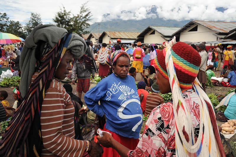 Indonesien, West-Papua, Baliem-Tal, valley, Wamena, Marktfrauen, Reisebericht, www.wo-der-pfeffer-waechst.de