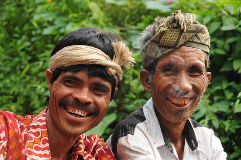 Sumba, Insel, Indonesien, Beerdigung, Totenfeier, Männer, Marapu, Religion, www.wo-der-pfeffer-waechst.de
