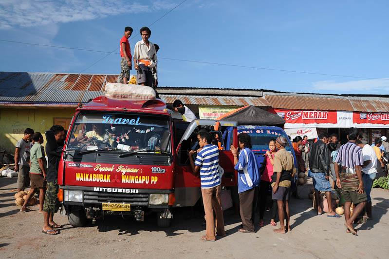 Waikabubak, Markt, Busstation, Sumba, Insel, Indonesien, www.wo-der-pfeffer-waechst.de