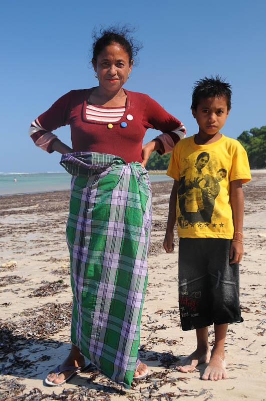 Indonesien, Sumba, Insel, Strände, Beach, Pantai Rua, Mutter und Sohn, Reisebericht, www.wo-der-pfeffer-waechst.de
