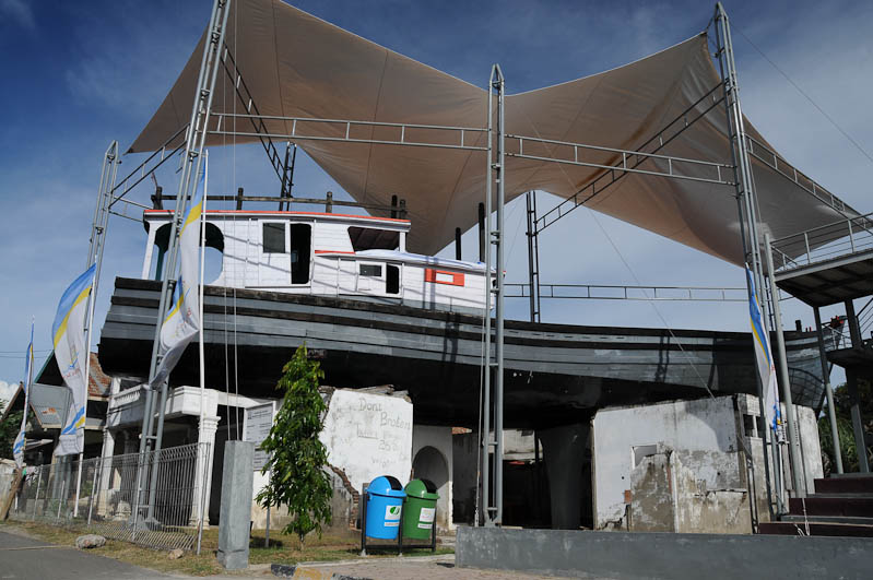 Indonesien, Indonesia, Sumatra, Banda Aceh, Tsunami, Naturkatastrophen, Schiff, Boot, Reiseberichte, www.wo-der-pfeffer-waechst.de