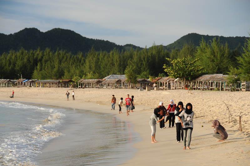 Indonesien, Indonesia, Sumatra, Lampuuk Beach, Kopftuch, Banda Aceh, Strand, Strände, pantai, Reiseberichte, www.wo-der-pfeffer-waechst.de
