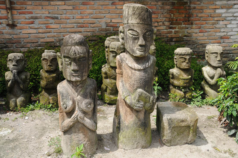 Ambarita, Steinstühle, stone chairs, Lake, Toba-See, Danau, Batak, Pulau, Samosir, Tuk Tuk, Nord-, Sumatra, Indonesien, Indonesia, Reisebericht, www.wo-der-pfeffer-waechst.de