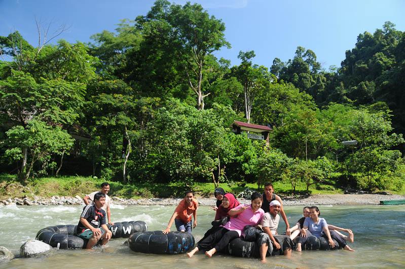 Bukit Lawang, Gunung-Leuser-Nationalpark, Nord-Sumatra, Fluss, Tubing, Indonesien, Indonesia, Reisebericht, www.wo-der-pfeffer-waechst.de