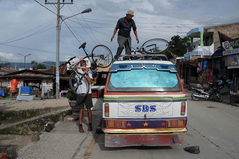 Fahrrad, Minibus, Lake, Toba-See, Danau, Batak, Pulau, Samosir, Tuk Tuk, Nord-, Sumatra, Indonesien, Indonesia, Reisebericht, www.wo-der-pfeffer-waechst.de