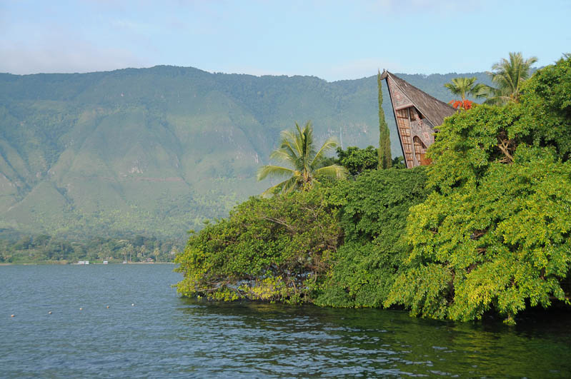 Lake, Toba-See, Danau, traditionelles Batak-Haus, Pulau, Samosir, Tuk Tuk, Nord-, Sumatra, Indonesien, Indonesia, Reisebericht, www.wo-der-pfeffer-waechst.de