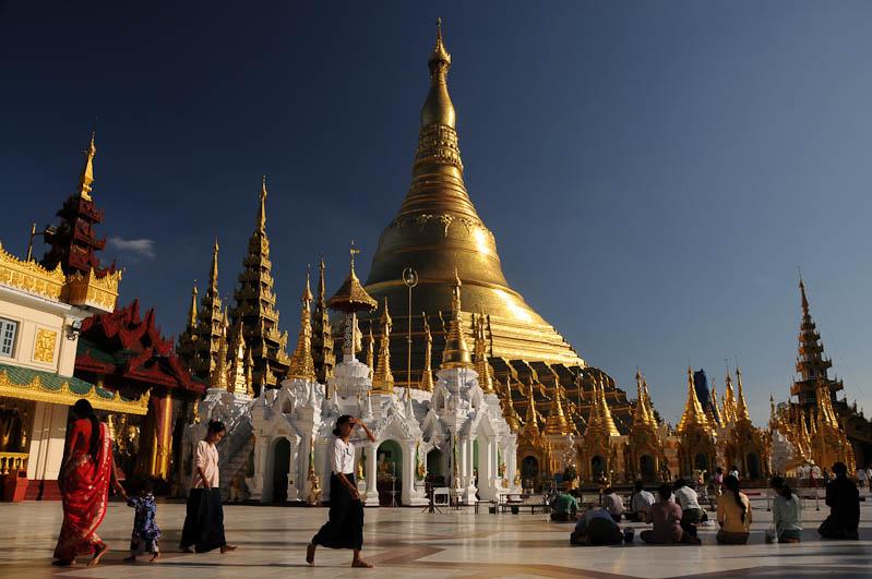 Yangon, Rangoon, Rangun, Shwedagon-Pagode, Pagoda, paya, Myanmar, Burma, Birma, schönster Tempel der Welt, Atmosphäre, Reisebericht, www.wo-der-pfeffer-waechst.de