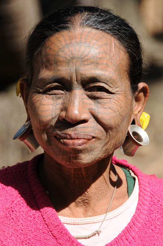 Chin tribe, Chin-Dörfer, Volk, tätowierte Spinnennetzfrauen, Tattoo, Mrauk U, Rakhine-Staat, State, Division, Tour, Lemyo river, Fluss, Myanmar, Burma, Birma, Reisebericht, www.wo-der-pfeffer-waechst.de
