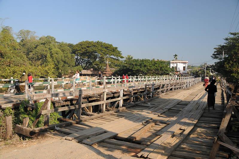 Mrauk U, Holzbrücke, bridge, Rakhine-Staat, State, Division, Myanmar, Burma, Birma, Reisebericht, www.wo-der-pfeffer-waechst.de