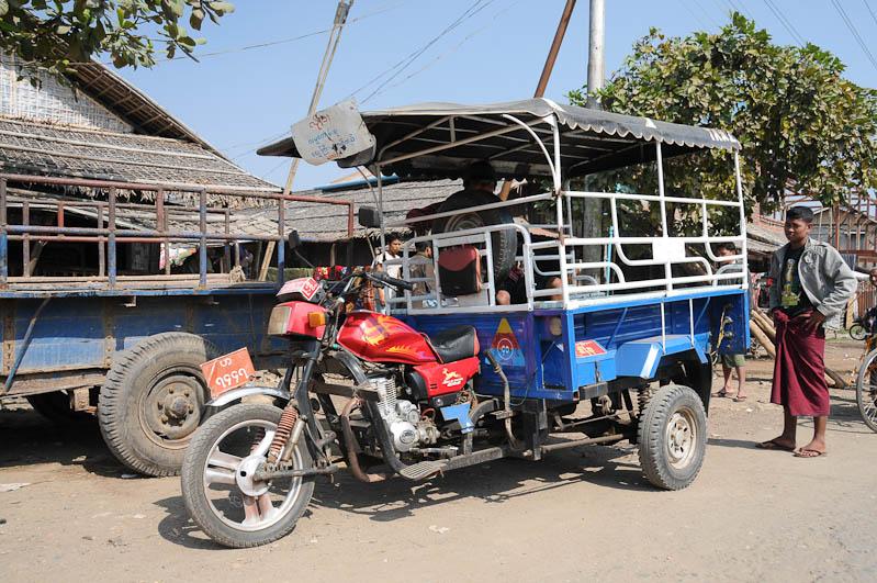 Sittwe, Flughafen, Airport, Akyab, Rakhine-Staat, State, Division, Taxi, Boot, boat, von, nach, to, Mrauk U, Myanmar, Burma, Birma, Kaladan-Fluss, River, Reisebericht, www.wo-der-pfeffer-waechst.de