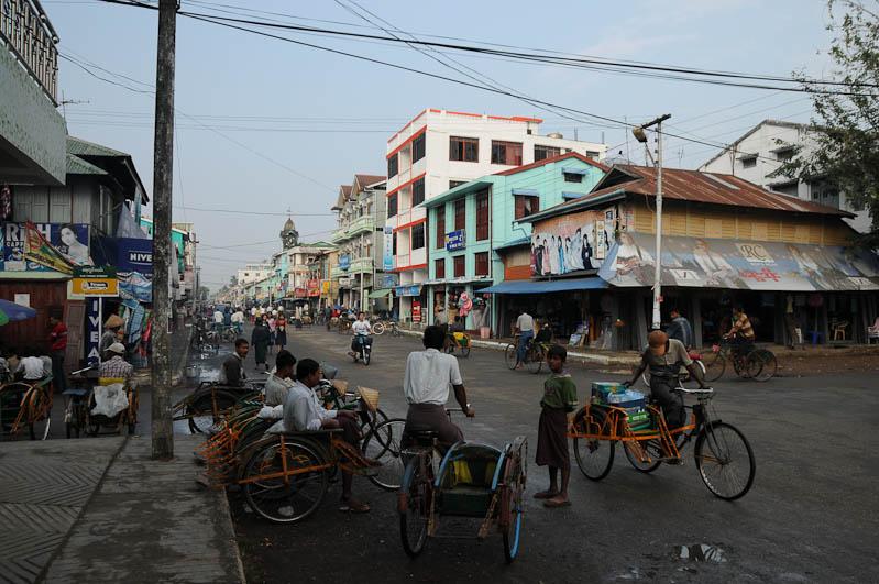 Straßenszene, Stadtzentrum, Sittwe, Akyab, Rakhine-Staat, State, Division, Myanmar, Burma, Birma, Reisebericht, www.wo-der-pfeffer-waechst.de