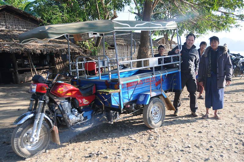 Tricycle, Mrauk U, Chin tribe, Volk, tätowierte Spinnennetzfrauen, Tattoo, Rakhine-Staat, State, Division, Tour, Lemyo river, Fluss, Myanmar, Burma, Birma, Reisebericht, www.wo-der-pfeffer-waechst.de