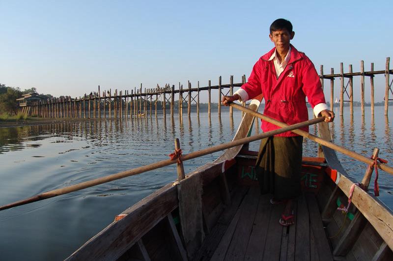 Amarapura, U Bein-Teakholzbrücke, bridge, Bootstour, Bootsfahrt, Ruderboot, Sonnenuntergang, Mandalay, Myanmar, Burma, Birma, Reisebericht, www.wo-der-pfeffer-waechst.de