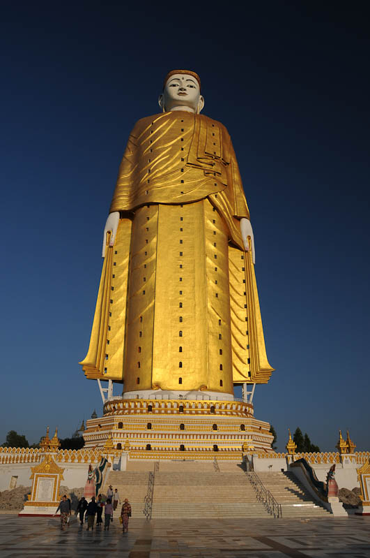Monywa, Riesen-Buddhas, standing Buddha, stehender, Pagode, Tempel, Pagoda, Myanmar, Burma, Birma, Reisebericht, www.wo-der-pfeffer-waechst.de