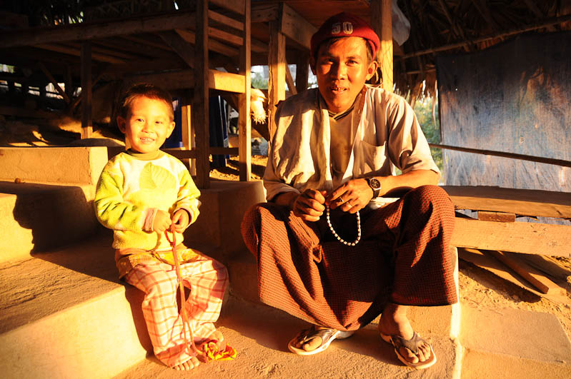 Monywa, Vater, Sohn, Myanmar, Burma, Birma, Reisebericht, www.wo-der-pfeffer-waechst.de