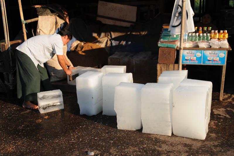 Hpa An, Karen, Kayin, Staat, State, Eiswürfel, ice cubes, Myanmar, Burma, Birma, Reiseberichte, www.wo-der-pfeffer-waechst.de