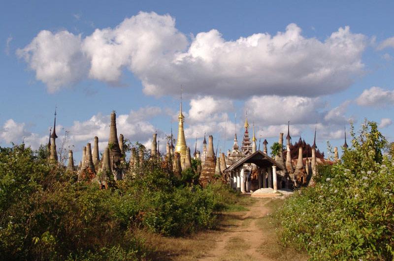 Myanmar, Burma, Birma, Inle-See, lake, Indein, In Dein, Pagoden, Pagodas, Ruinen, Tempel, Shan-Staat, state, division, Reiseberichte, www.wo-der-pfeffer-waechst.de