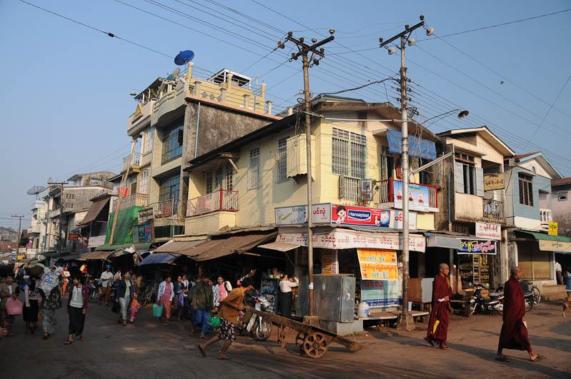 Mawlamyine, Moulmein, Straßenszene, Myanmar, Burma, Birma, Reisebericht, www.wo-der-pfeffer-waechst.de