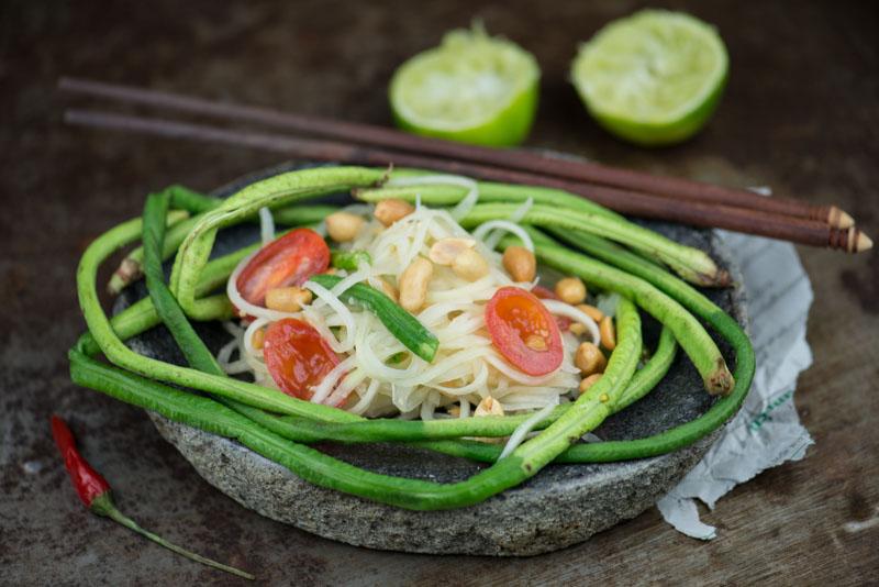Som Tam, Rezept, Grüner Papayasalat, scharf, Thailand, Streetfood, Obst, Chili, spick, veganes, vegetarisches, thailändisches, Laos, laotisches, Kochen, Rezepte, Gerichte, Speisen, Essen, Zutaten, Küche, www.wo-der-pfeffer-waechst.de