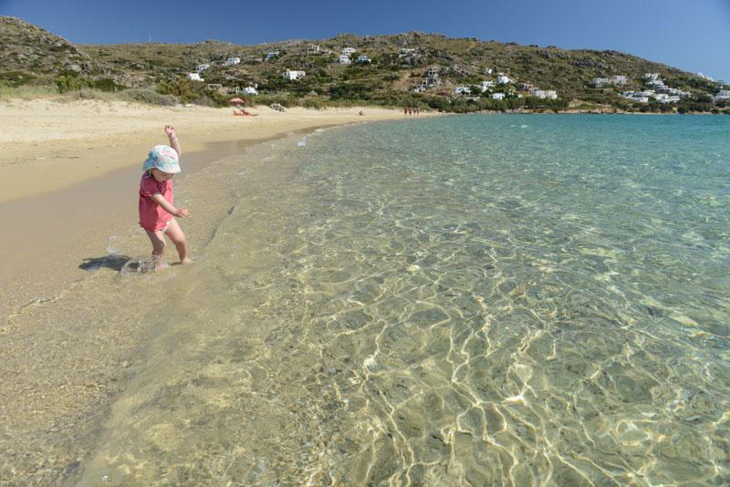 Naxos, Plaka Beach, Strand, Strände, für Kinder, Kykladen, Griechenland, Reisen mit Kleinkindern, Babys, Inselhüpfen, Island-Hopping, griechische, Inseln, Mittelmeer, Bilder, Fotos, Reiseberichte, www.wo-der-pfeffer-waechst.de