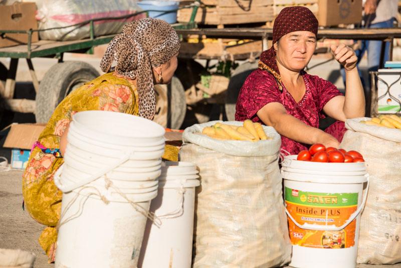 Chiwa, Khiva, Chiva, Xiva, Usbekistan, Uzbekistan, Osttor, Markt, market, Seidenstraße, Reiseberichte, www.wo-der-pfeffer-waechst.de