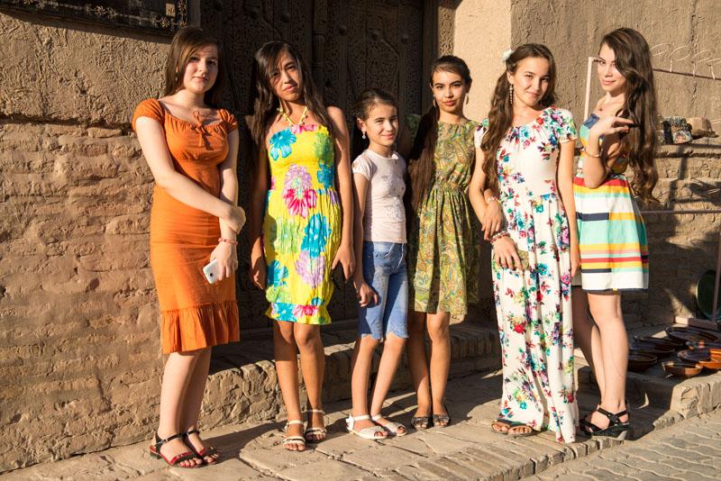 Chiwa, Khiva, Chiva, Xiva, Usbekistan, Uzbekistan, einheimische Touristen, Seidenstraße, Reiseberichte, www.wo-der-pfeffer-waechst.de