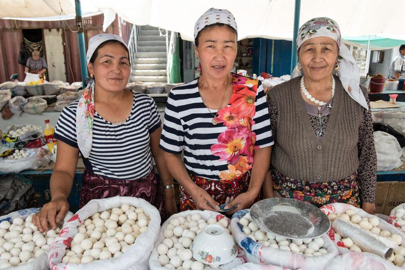Osch, Osh, Basar, Markt, Kirgisistan, Kirgistan, Kirgisien, Fergana-Tal, entlang der, Seidenstraße, Zentralasien, Reiseberichte, www.wo-der-pfeffer-waechst.de