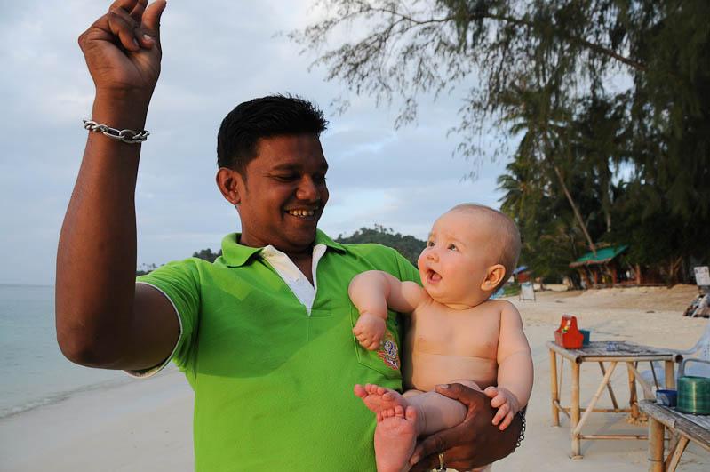 Thailand, Reisen mit Kindern, Babys, Kleinkindern, Elternzeit, Insel, Koh Phangan, Ko Pha Ngan, Thais, kinderfreundlich, Restaurant, Asien, Reiseberichte, Reiseblogger, www.wo-der-pfeffer-waechst.de