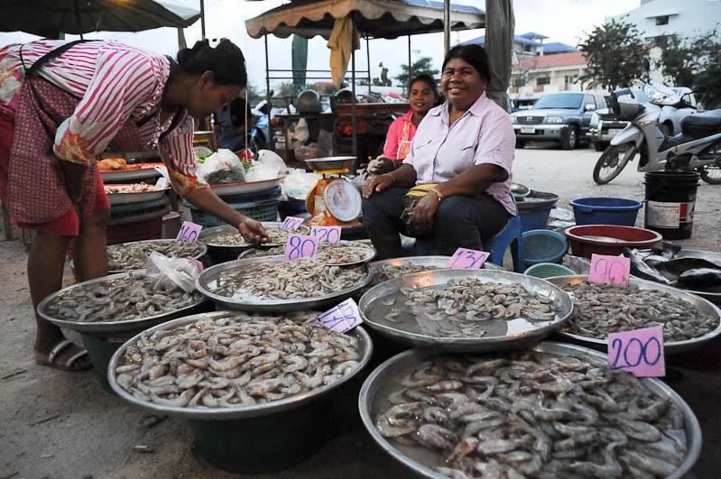 Prachuap Khiri Khan, Nachtmarkt, Seafood, Golf von, Thailand, Geheimtipps, Reisen mit Kindern, Babys, Kleinkindern, Elternzeit, Asien, Reiseberichte, Reiseblogger, www.wo-der-pfeffer-waechst.de