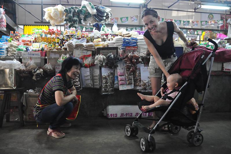 Chiang Mai, Nordthailand, Warorot Market, Märkte, Reisetipps, Reisen mit Kindern, Babys, Kleinkindern, Elternzeit, Asien, Reiseberichte, Reiseblogger, www.wo-der-pfeffer-waechst.de