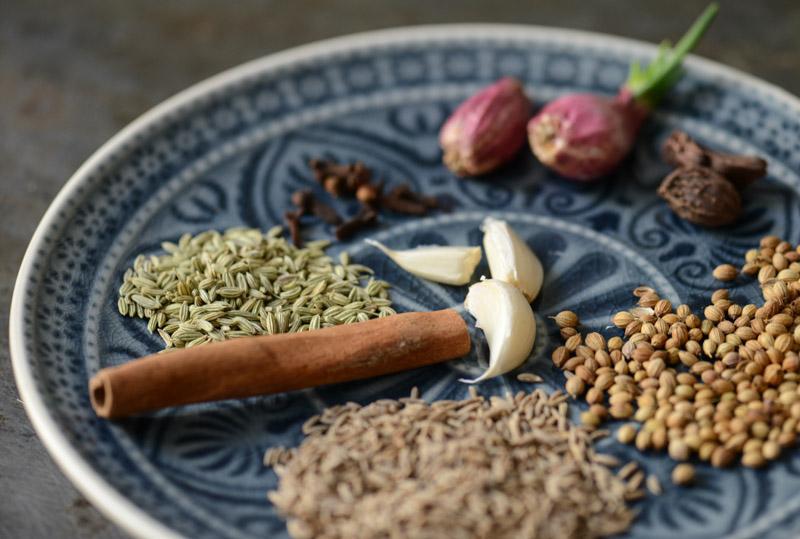 Massaman-Currypaste, Rezepte, Thailand, vegetarisches, veganes, Kaeng Masaman, thailändisches, Kochen, Gerichte, Speisen, Essen, Zutaten, Gewürze, Küche, Reise- und Food-Blog, www.wo-der-pfeffer-waechst.de