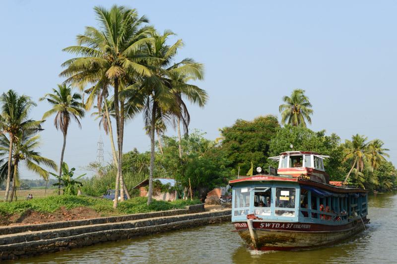 öffentliche Fähre, von Alappuzha, Alleppey, nach Kottayam, Backwaters, Kerala, Südindien, Kuttanad, Reisetipps, Reisen mit Kindern, Rundreisen, Asien, Reiseberichte, Reiseblogger, www.wo-der-pfeffer-waechst.de