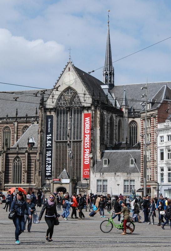 Dam, Nieuwe Kerk, neue Kirche, Amsterdam, Zentrum, Städtetrip, Urlaub, Niederlande, Holland, Sehenswürdigkeiten, Reiseberichte, Blog, www.wo-der-pfeffer-waechst.de
