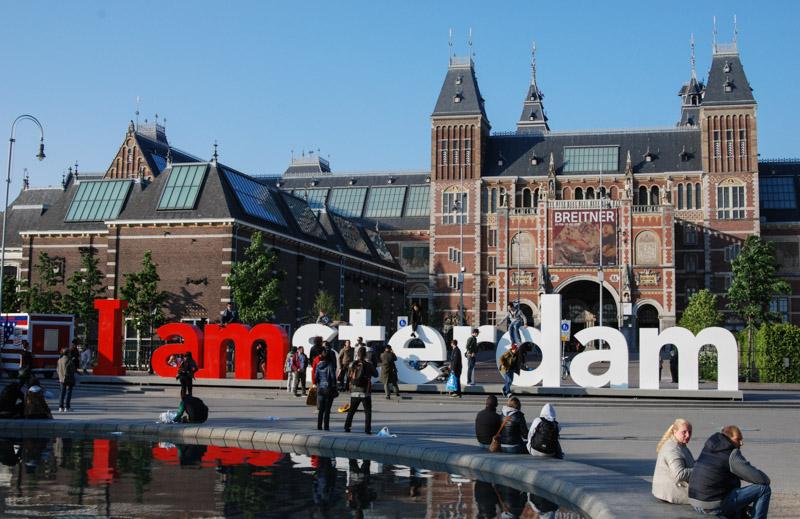 Museumplein, Rijksmuseum, I am Amsterdam, Städtetrip, Urlaub, Niederlande, Holland, Sehenswürdigkeiten, Reiseberichte, Blog, www.wo-der-pfeffer-waechst.de