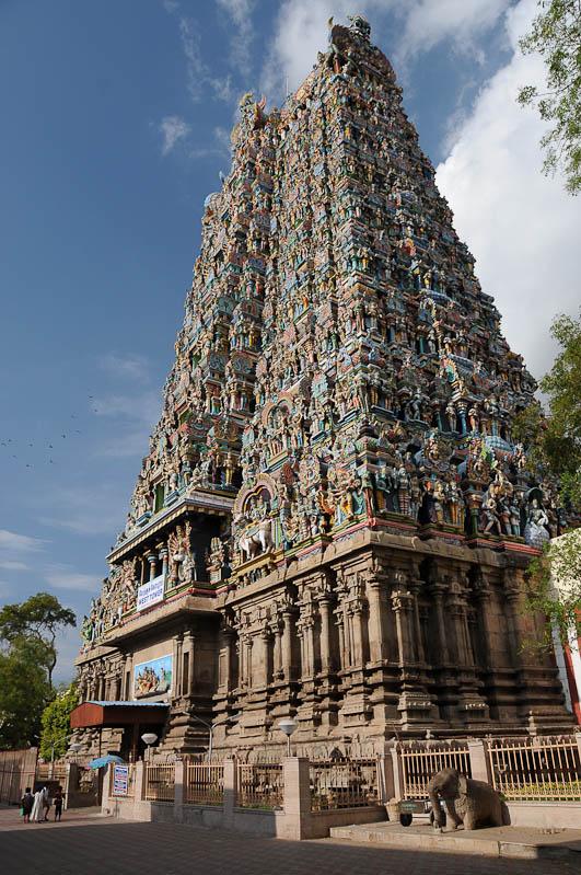 Tamil Nadu, Tempeltour, Südindien, Sri-Meenakshi-Tempel, Gopuram, Reisetipps, Rundreisen, Asien, Reiseberichte, Reiseblogger, www.wo-der-pfeffer-waechst.de