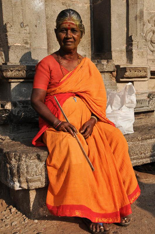 Tiruvannamalai, Arunachaleswar-Tempel, indische Frau, Tamil Nadu, Tempeltour, Südindien, Reisetipps, Rundreisen, Asien, Reiseberichte, Reiseblogger, www.wo-der-pfeffer-waechst.de