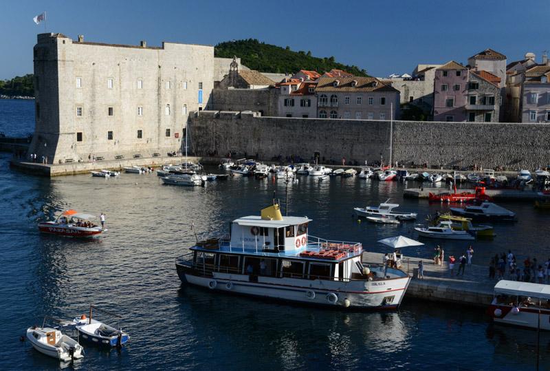 Dubrovnik, Kroatien, Croatia, Alter Hafen, old harbour, Altstadt, old city, Städtetrip, Reisetipps, Rundreisen, Europa, Reiseberichte, Reisen mit Kindern, Reiseblogger, www.wo-der-pfeffer-waechst.de