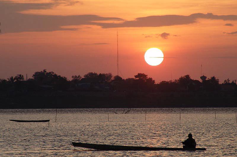 Vientiane, Laos, Hauptstadt, Abendstimmung, Sonnenuntergang, Mekongufer, sunset, Thailand, Reisetipps, Rundreisen, Asien, Reiseberichte, Reiseblogger, www.wo-der-pfeffer-waechst.de