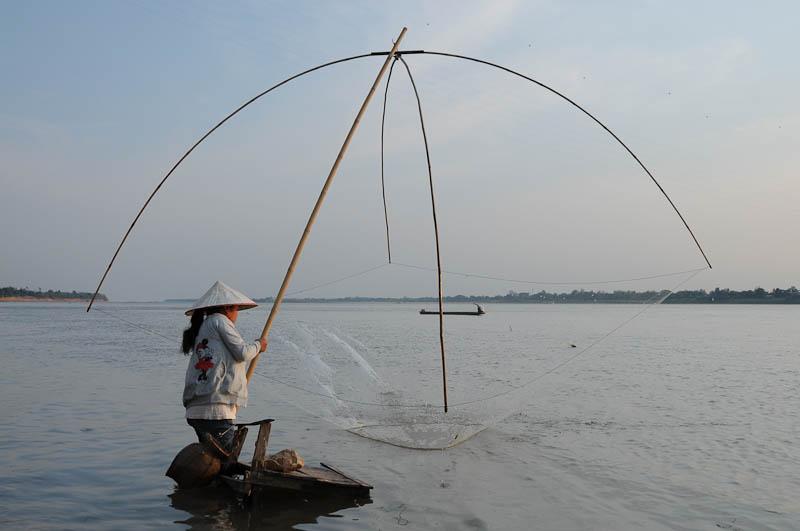 Thakhek, Mekong, Flussfischer, Laos, Zentrallaos, The Loop, Reisebericht, laotische Provinz Khammouan, Khammuan, Reisetipps, Rundreisen, Südostasien, Reiseblogger, www.wo-der-pfeffer-waechst.de