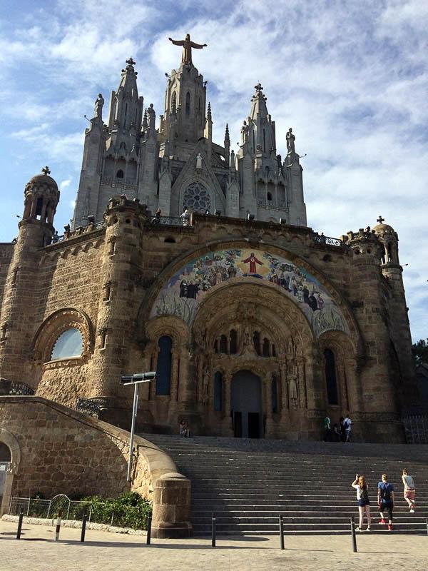 Barcelona, Kirche, Sagrat Cor, Hausberg, Tibidabo, Reise nach Barcelona, Städtetrip, Städtereise, Wochenende, Reisetipps, Urlaub, Spanien, Katalonien, Hauptstadt, Sehenswürdigkeiten, Reiseberichte, Blog, www.wo-der-pfeffer-waechst.de