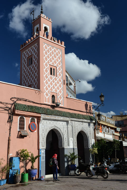 Moschee, mosque, Djemaa el Fna, Marrakesch, Marokko, Medina, Altstadt, Reisebericht, Reisetipps, Afrika, Reiseblogger, www.wo-der-pfeffer-waechst.de