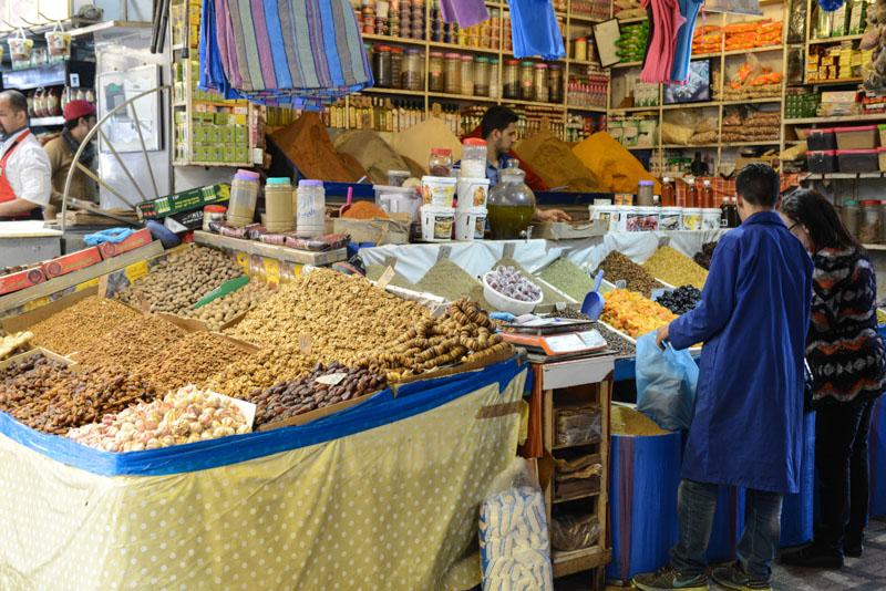 Rabat, Medina, Marché Central, Gewürzhändler, spices, Marokko, Hauptstadt, Bilder, Infos, Reisebericht, Urlaub, Hotel, Reisetipps, Afrika, Reiseblogger, www.wo-der-pfeffer-waechst.de