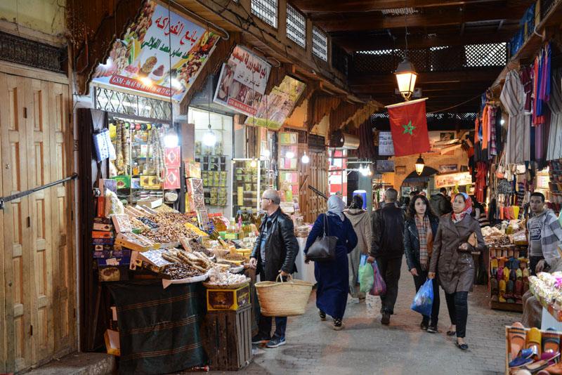 Fes, Fès, Fez, Marokko, Souks, Märkte, Medina, Altstadt, Reisebericht, www.wo-der-pfeffer-waechst.de